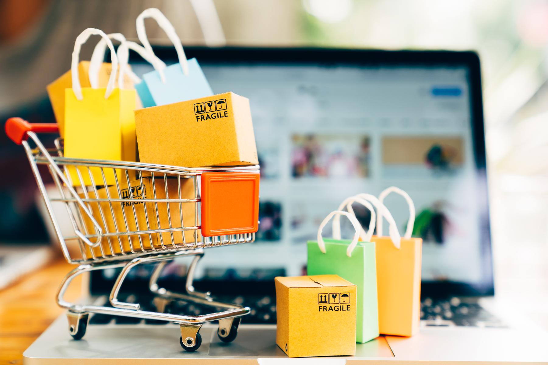 נובמבר - חודש הקניות הבלתי פוסקות או חודש אחריות כלכלית?