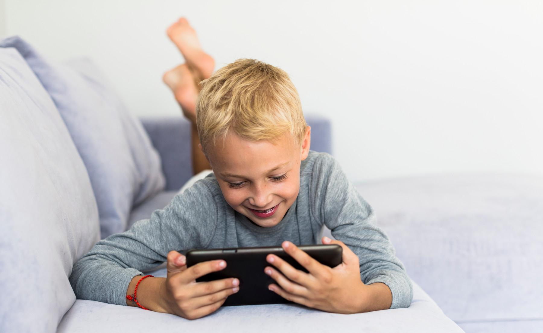 מה עושים כשהילד מכור למסך?