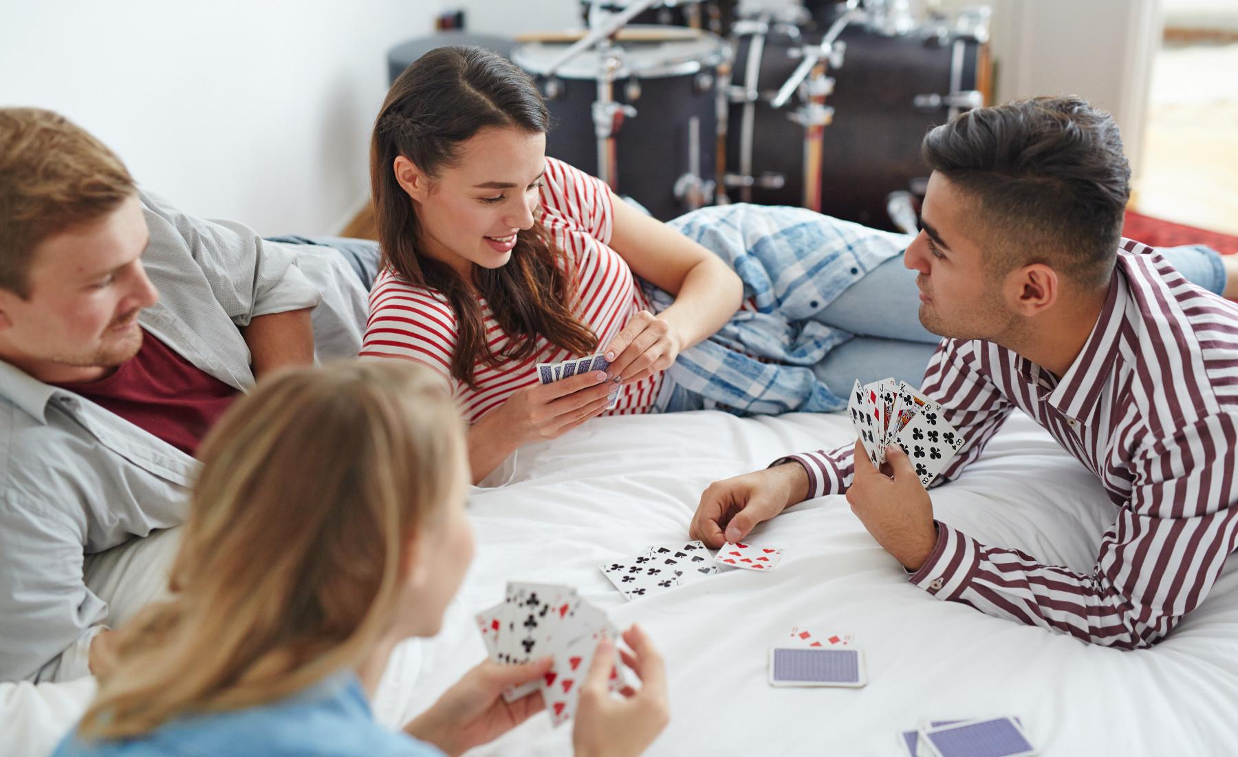 כסף קל - ההתמכרות להימורים עשויה לפגוע בכל בית